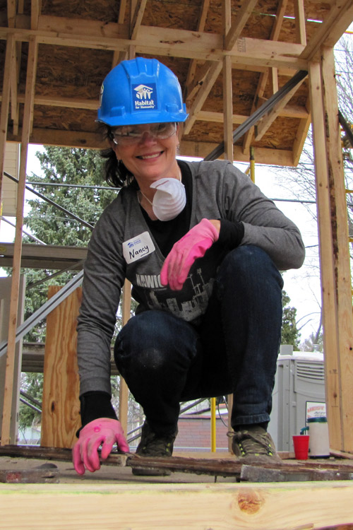 Volunteer-in-blue-hard-hat